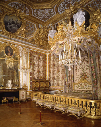 Picture 4 : The Queenu0027s Bedroom, As It Was During The Last Summer Of Marie  Antoinette At The Palace Of Versailles.