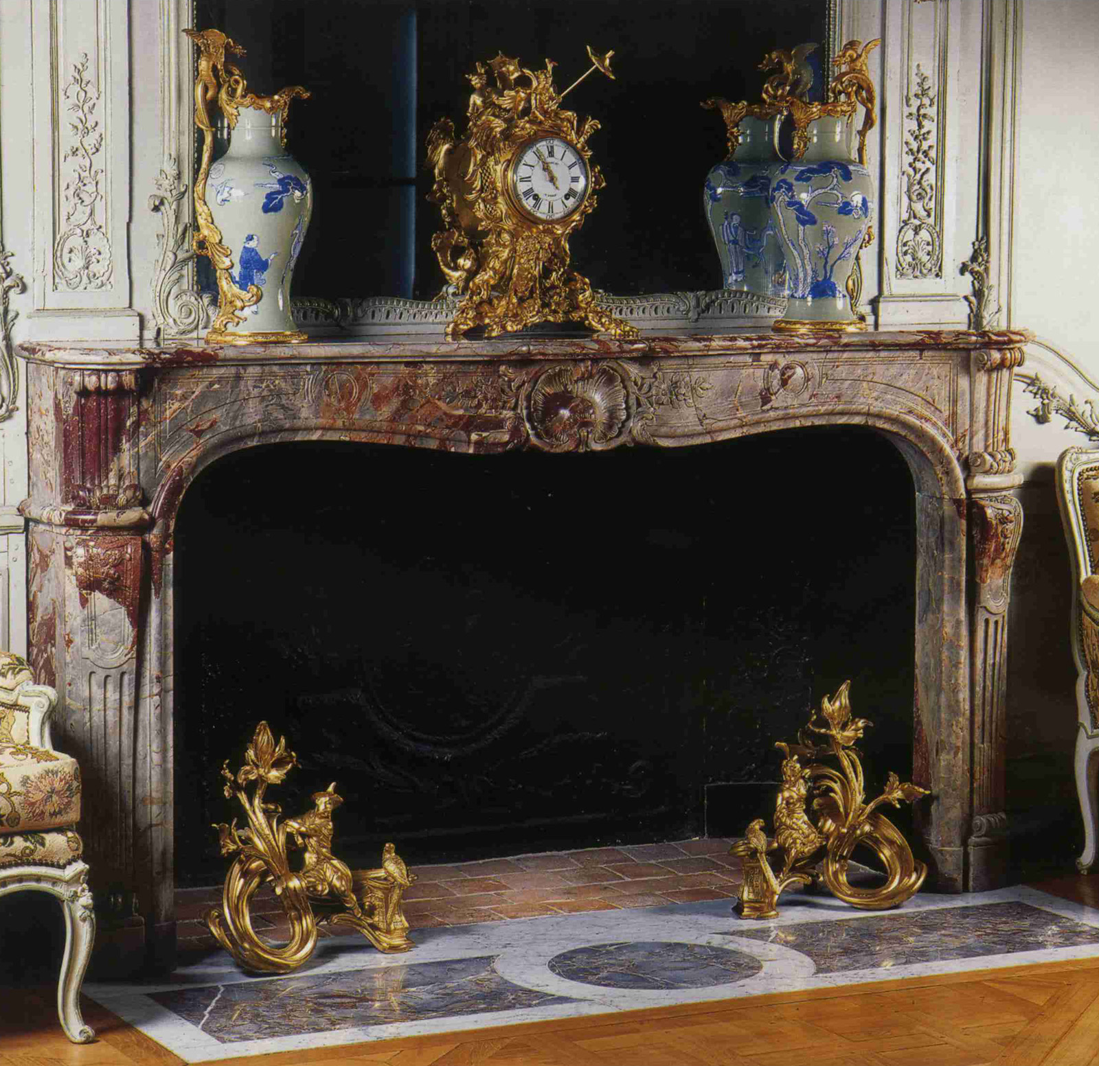 Sarrancolin ilhet marble for Salon louis 15