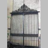 Door gates in cast iron and wrought iron.
