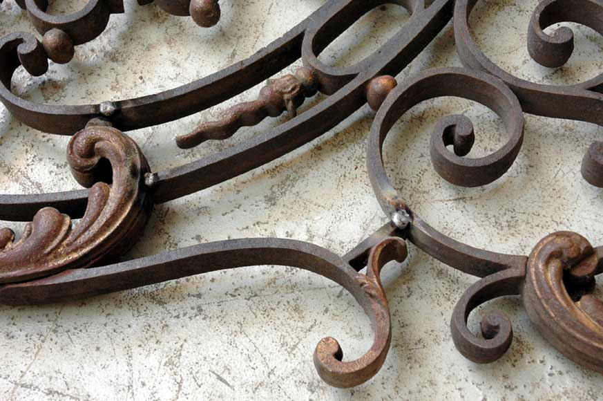 Door gates in cast iron and wrought iron.-12