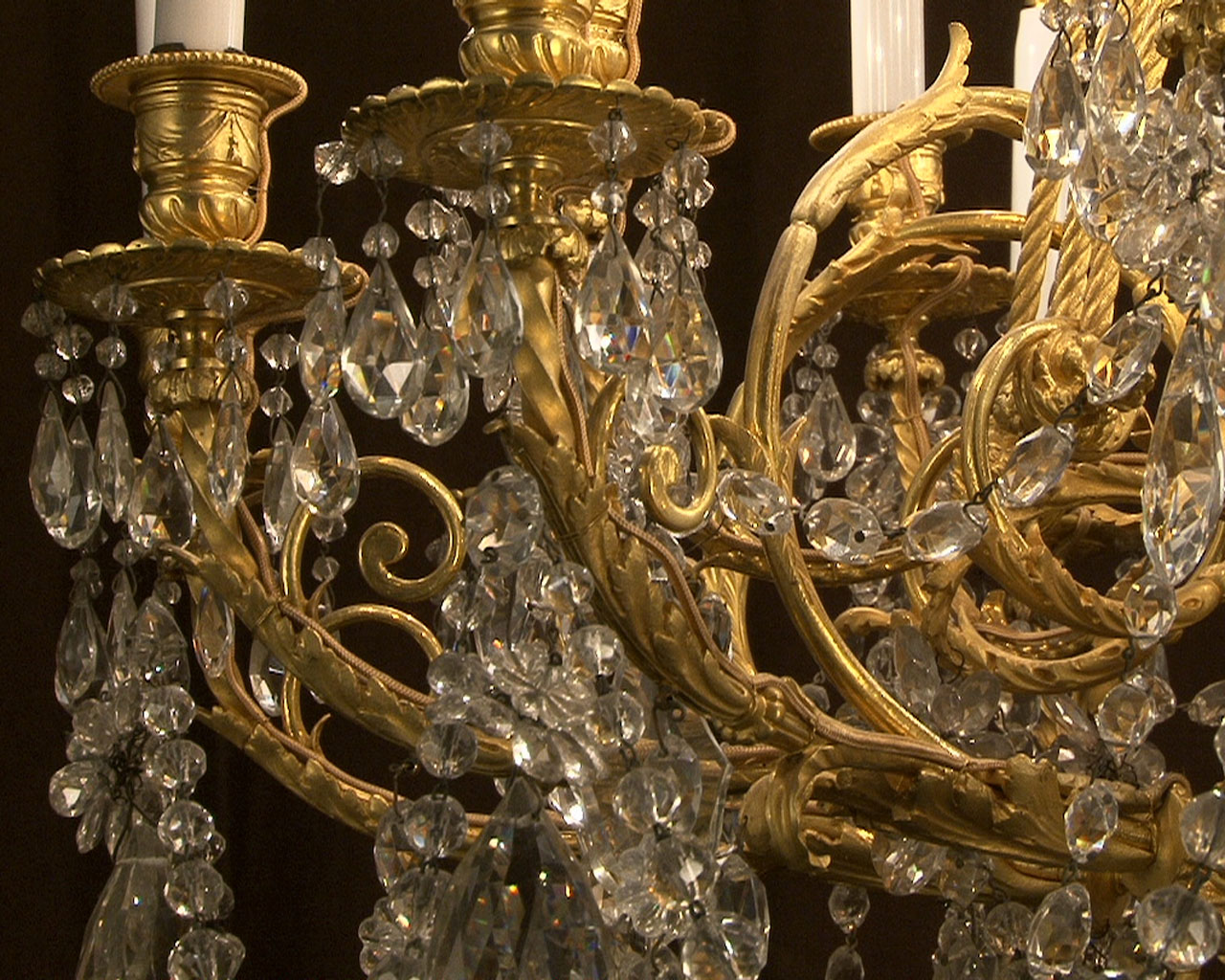 Large bronze and cristal chandelier with tassels-13