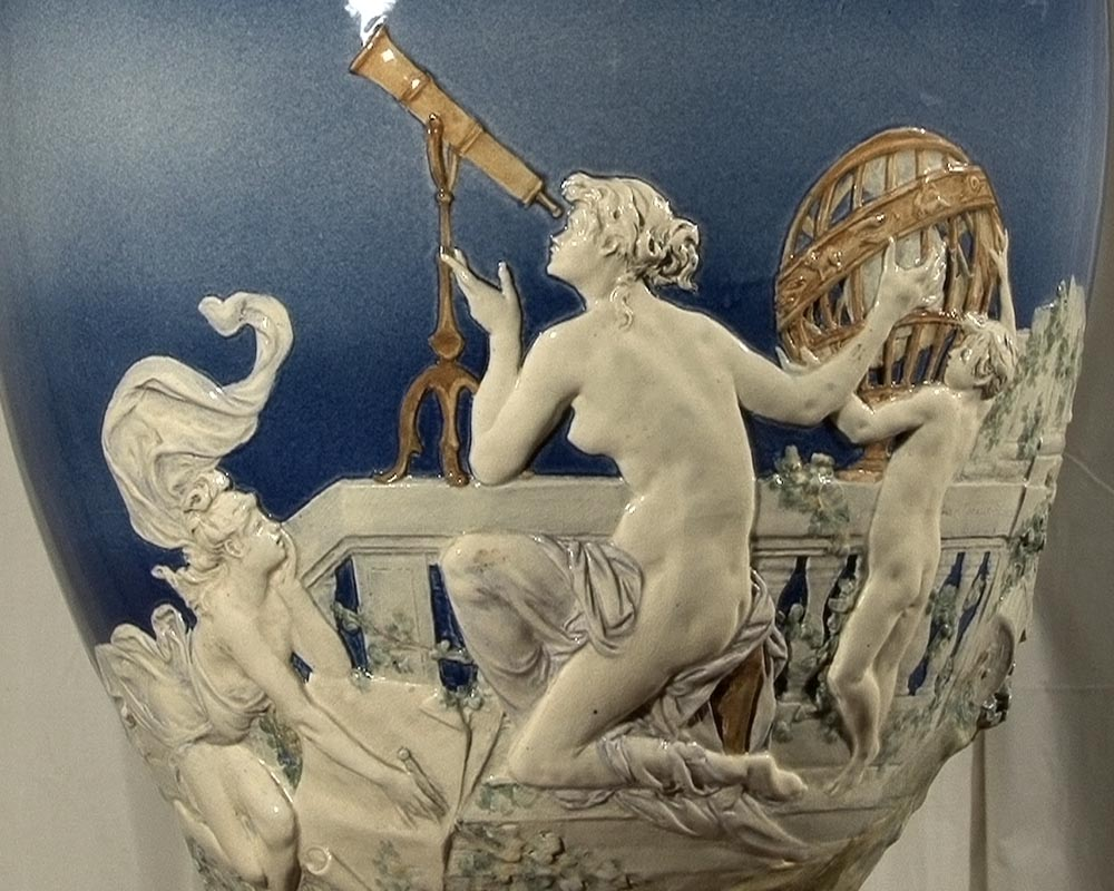 CARRIER BELLEUSE Louis Robert, Extraordinary vase with Urania , science allegory.-2