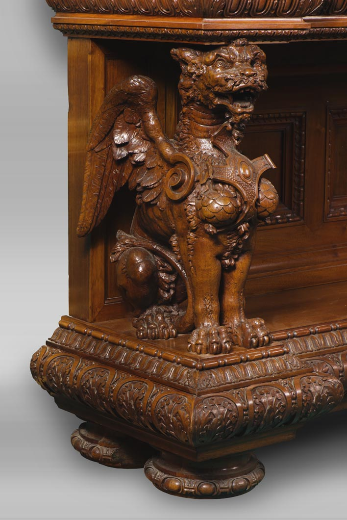 A sumptuous sculpted credenza coming from an exceptional furniture set realized by Moses Michelangelo Guggenheim for the Palazzo Papadopoli in Venice, Italy-2