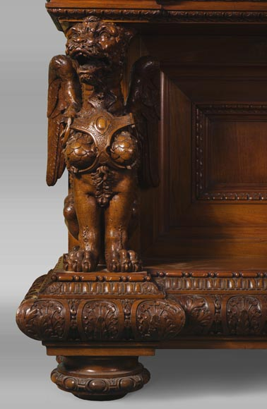 A sumptuous sculpted credenza coming from an exceptional furniture set realized by Moses Michelangelo Guggenheim for the Palazzo Papadopoli in Venice, Italy-3