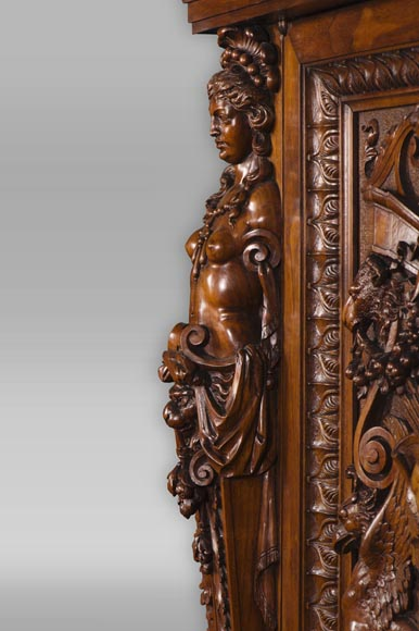 A sumptuous sculpted credenza coming from an exceptional furniture set realized by Moses Michelangelo Guggenheim for the Palazzo Papadopoli in Venice, Italy-5