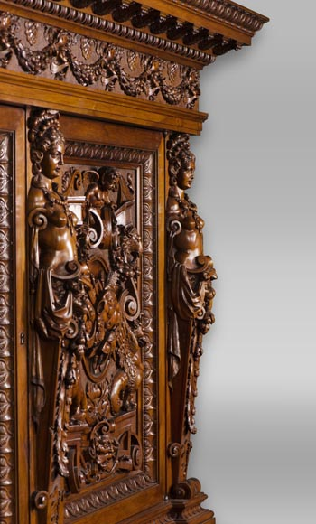 A sumptuous sculpted credenza coming from an exceptional furniture set realized by Moses Michelangelo Guggenheim for the Palazzo Papadopoli in Venice, Italy-6