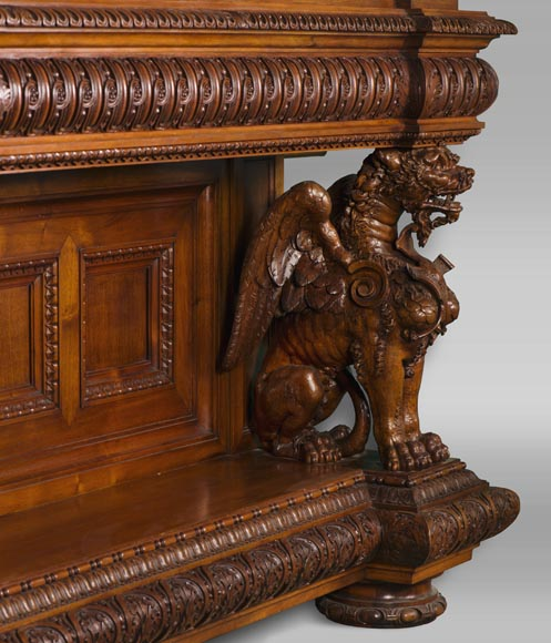 A sumptuous sculpted credenza coming from an exceptional furniture set realized by Moses Michelangelo Guggenheim for the Palazzo Papadopoli in Venice, Italy-14