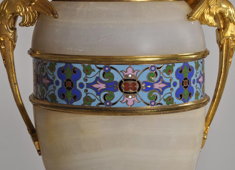 Beautiful antique paire of Onyx lamps with cloisonné enamels and gilded bronze with Sphinx decor-2