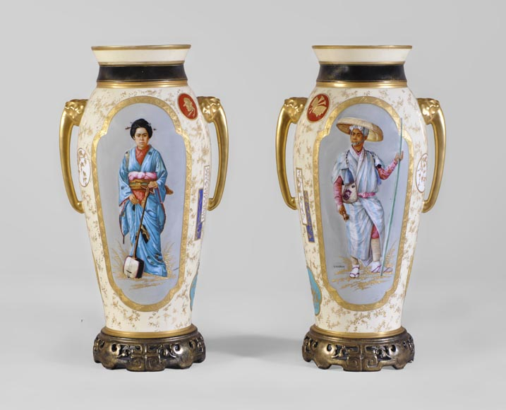 Louis Pierre MALPASS - Pair of french porcelain vases in the Japanese style-0