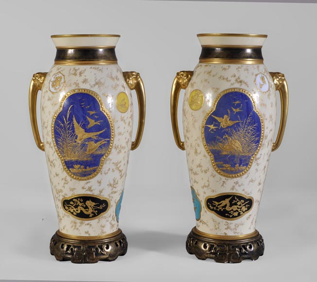 Louis Pierre MALPASS - Pair of french porcelain vases in the Japanese style-3