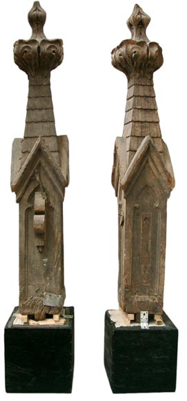 Two wooden roof finials  - Reference 0421