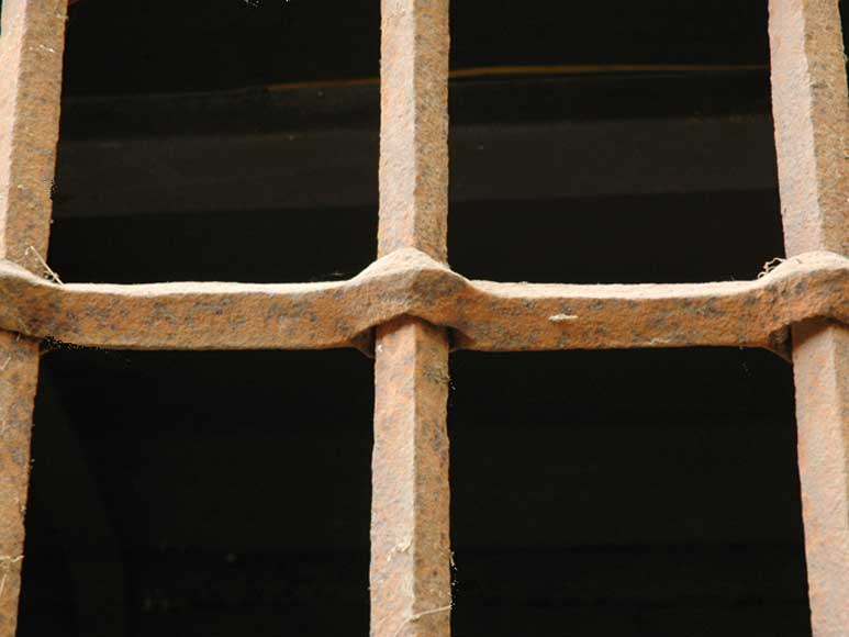 Antique protective grille-3