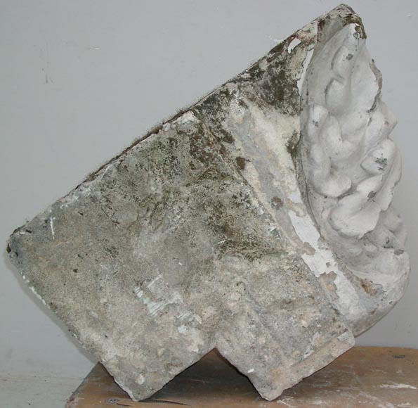 Antique keystone in sculpted stone-3