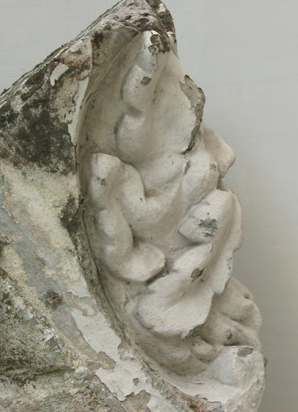 Antique keystone in sculpted stone-4