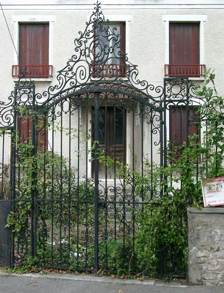 Wrought iron gate with 20 meters of railing - Reference 0701