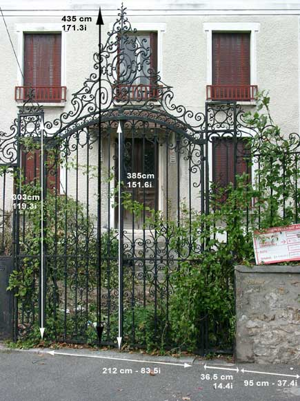 Wrought iron gate with 20 meters of railing-7