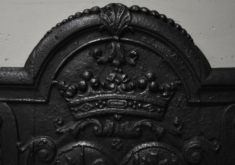 Antique cast iron fireback with wedding coat of arms of Gilles Brunet, Marquis of la Palisse, and Françoise-Suzanne Bignon-3