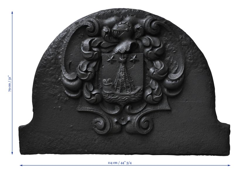 Beautiful curved cast iron fireback with Paris coat of Arms-7