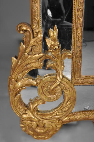 Beautiful antique Regency style mirror, Napoleon III period, made out of carved and gilded wood with espagnolettes decor-4