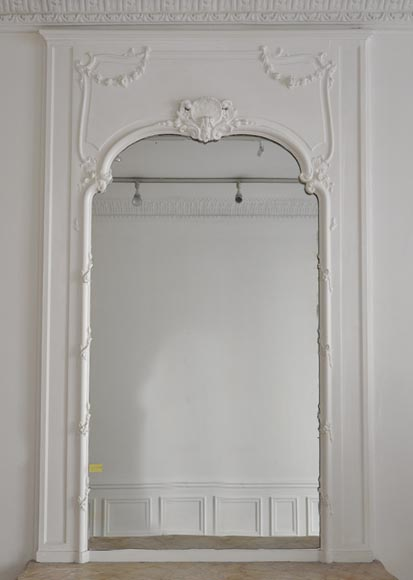 Beautiful antique Louis XV style pier glass with shell and flowers guarlands in a Rococo frame - Reference 10106