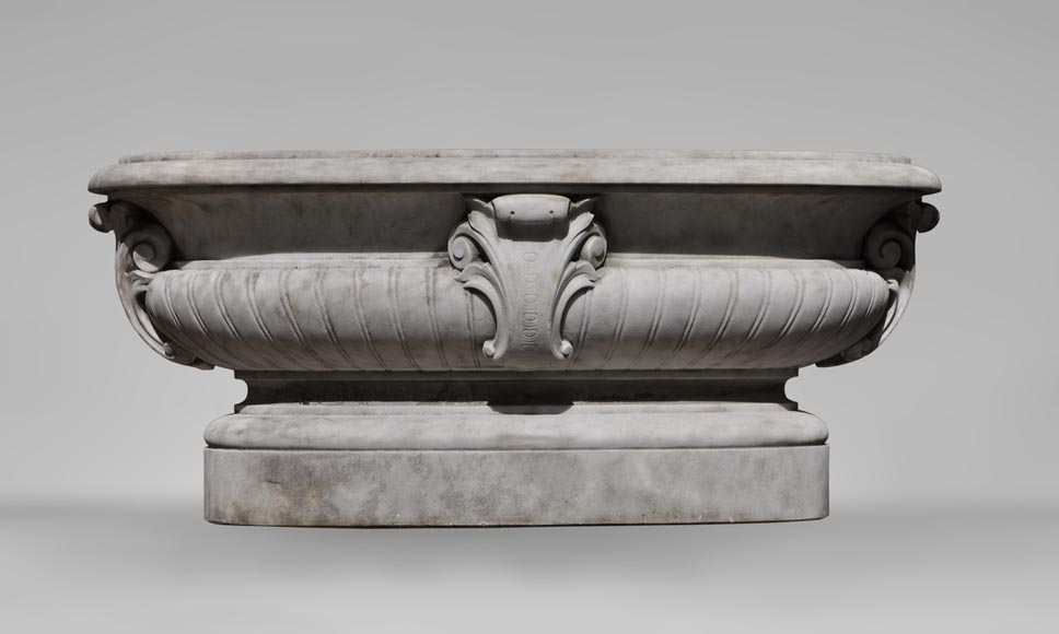 Antique pair of planters in white Carrara marble-2