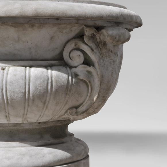 Antique pair of planters in white Carrara marble-8