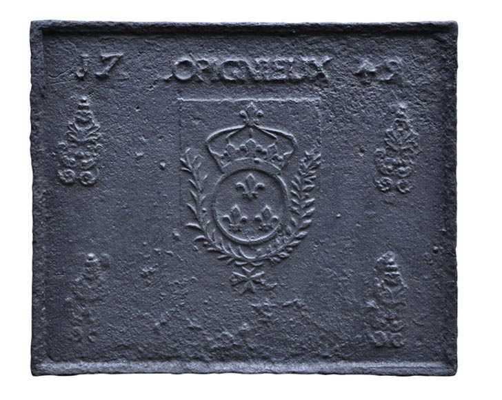 Antique cast iron fireback with French coat of arms dated from 1749 - Reference 10212