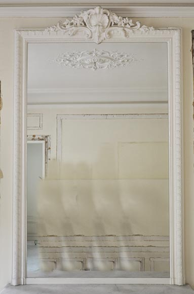 Antique Louis XV style overmantel mirror with foliaged shell and frieze of oves - Reference 10224