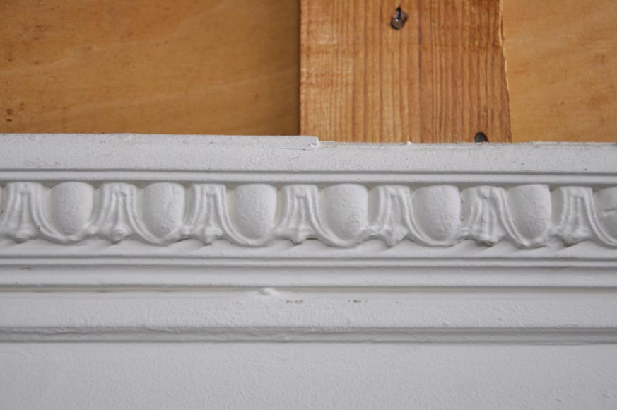 Antique Louis XVI style overmantel with a frieze of laurel and ovals-3