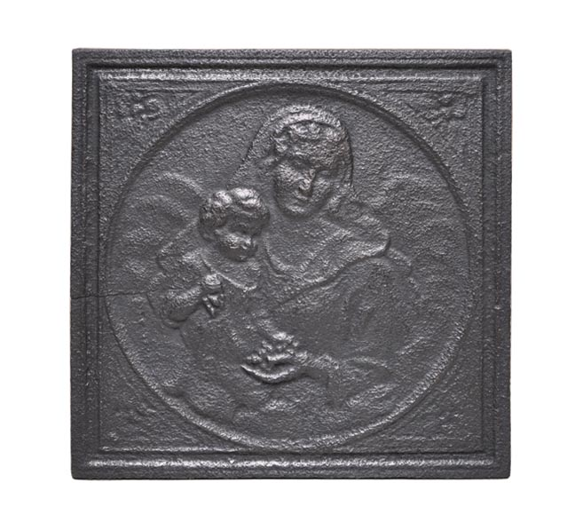 Antique fireback decorated with Madonna and Child - Reference 10281