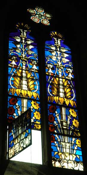 Stained glass windows with floral designs -1