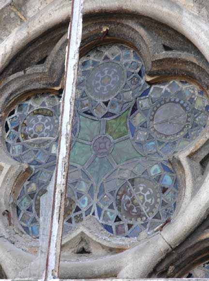 Stained glass windows with floral designs -5