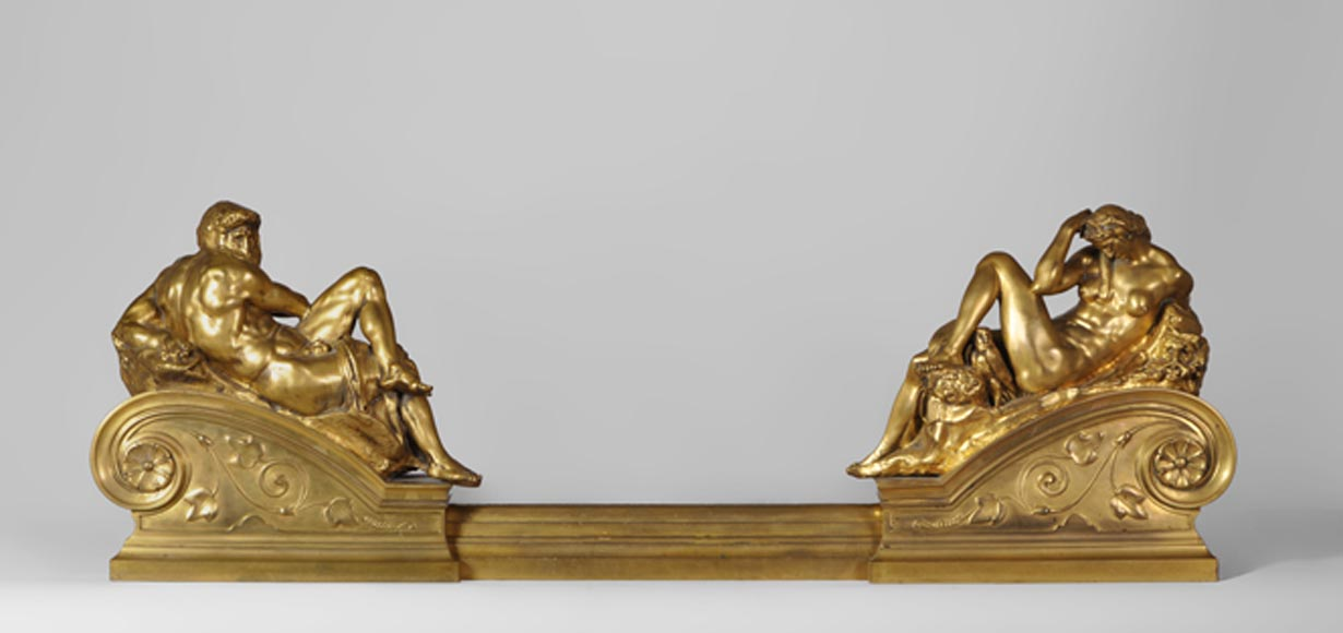 "Ferdinand BARBEDIENNE - ""Night"" and ""Day"", exceptional antique gilt bronze fire fender after the tomb of  Giuliano di Lorenzo de Medici by Michelangelo - Reference 10376"