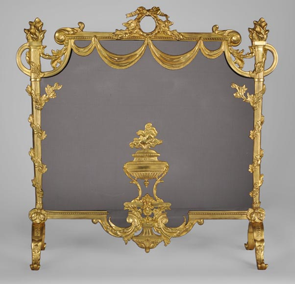 Beautiful antique Louis XVI style gilt bronze firescreen with covered pot and flaming torches decoration - Reference 10392