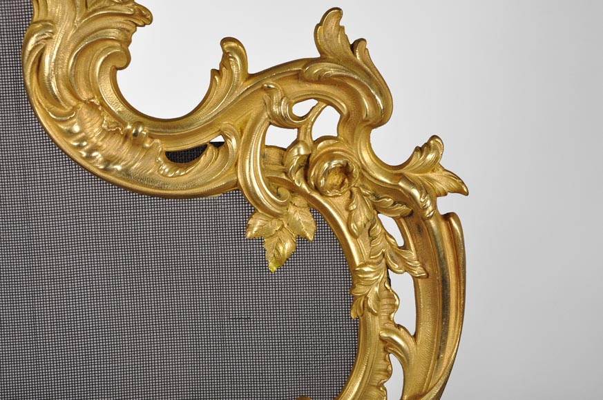 Antique Louis XV style gilt bronze fire screen with playing children, 19th century-8