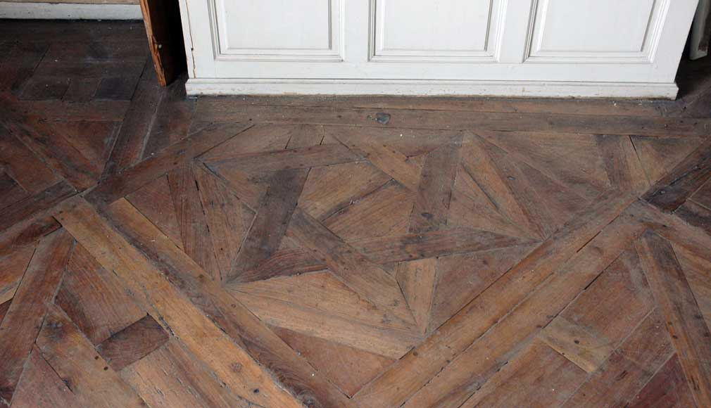 Paneled Room And Rare Parquet Flooring From The 18th Century