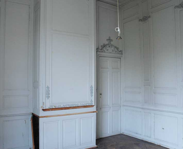 Paneled room and rare parquet flooring from the 18th century-10