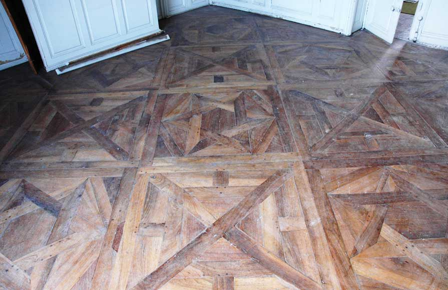 Paneled room and rare parquet flooring from the 18th century-21