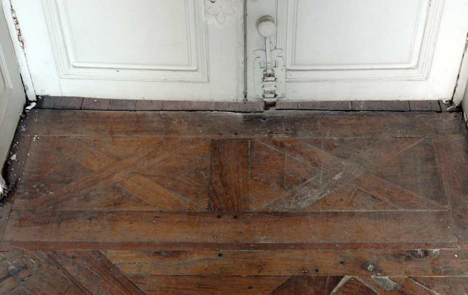 Paneled room and rare parquet flooring from the 18th century-22
