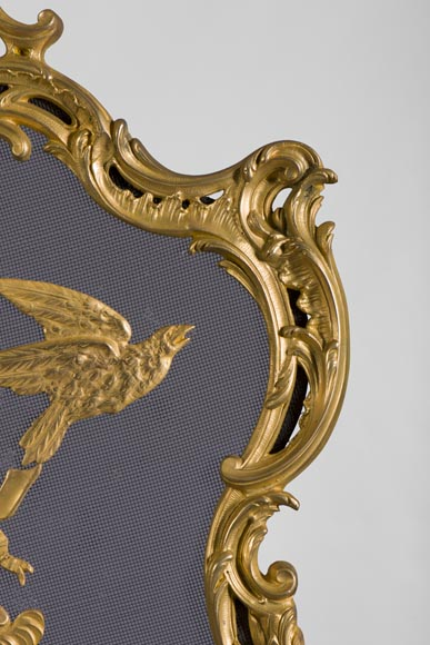 Antique Louis XV style firescreen in gilt bronze with birds and music instruments decoration-5