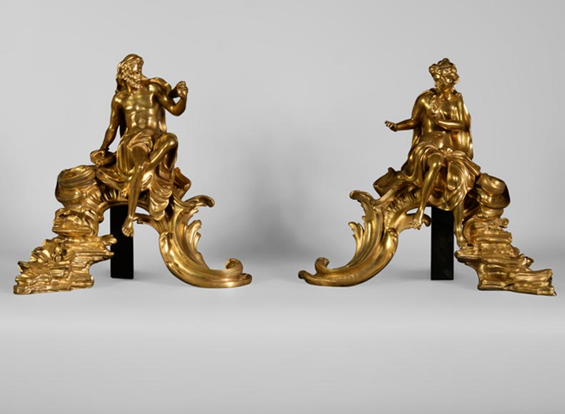 """Venus and Vulcan"", very beautiful pair of gilt bronze andirons on a Rocaille base - Reference 10502"