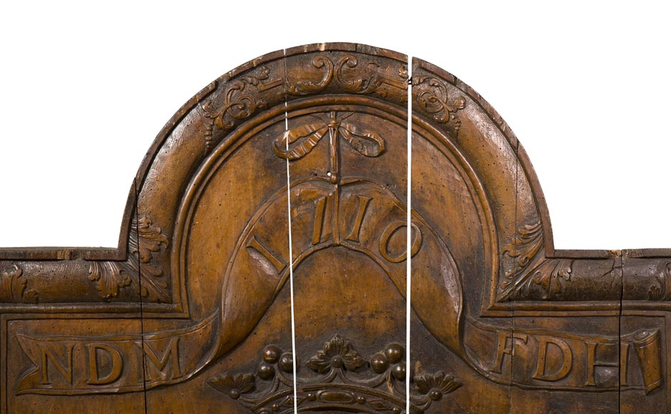 Rare antique fireback carved wooden model, with wedding coat of arms of Nicolas de Massenbach and Françoise d'Helmstadt, dated 1710-1