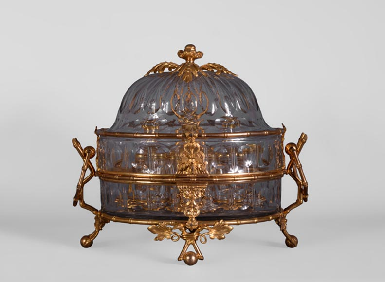 Cristallerie BACCARAT - Crystal and gilt bronze liquor cellar with bamboo, 19th century-0