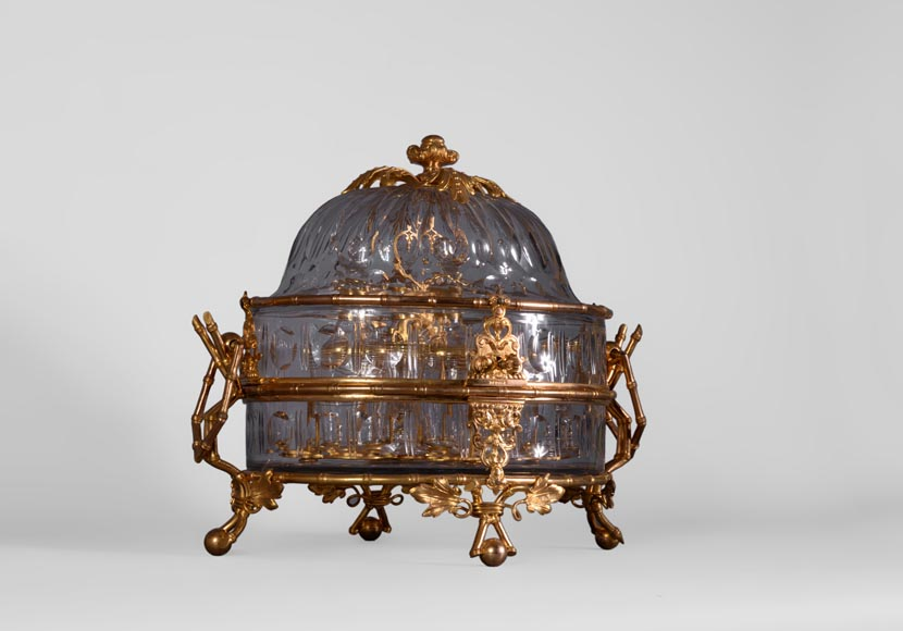 Cristallerie BACCARAT - Crystal and gilt bronze liquor cellar with bamboo, 19th century-1