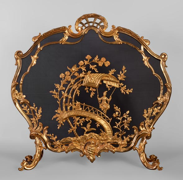 Beautiful antique Louis XV style firescreen with chinese-inspired decor in gilt bronze after a canvas by Jean-Baptiste Pillement  - Reference 10544