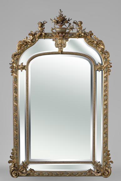 Very beautiful antique Napoleon III overmantel mirror with partitions, putti and vase of flowers decor, beveled mirrors - Reference 10579