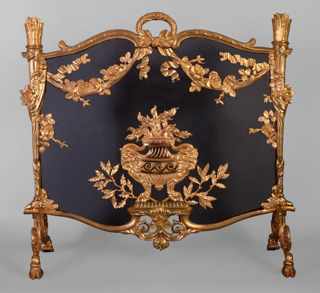 Antique Napoleon III firescreen in gilt bronze with flaming pot, quivers and roses -0