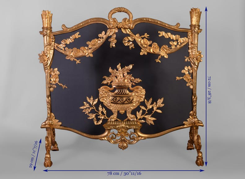 Antique Napoleon III firescreen in gilt bronze with flaming pot, quivers and roses -9