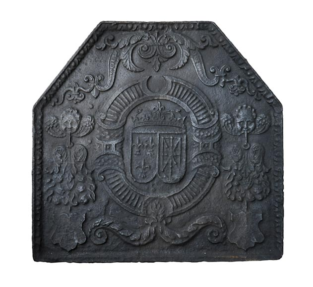 Beautiful 18th-century cast iron fireback with the France and Navarra coat of arms-0