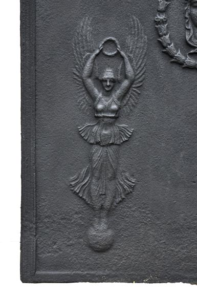 Empire cast iron fireback with Winged Victories, 19th century-2